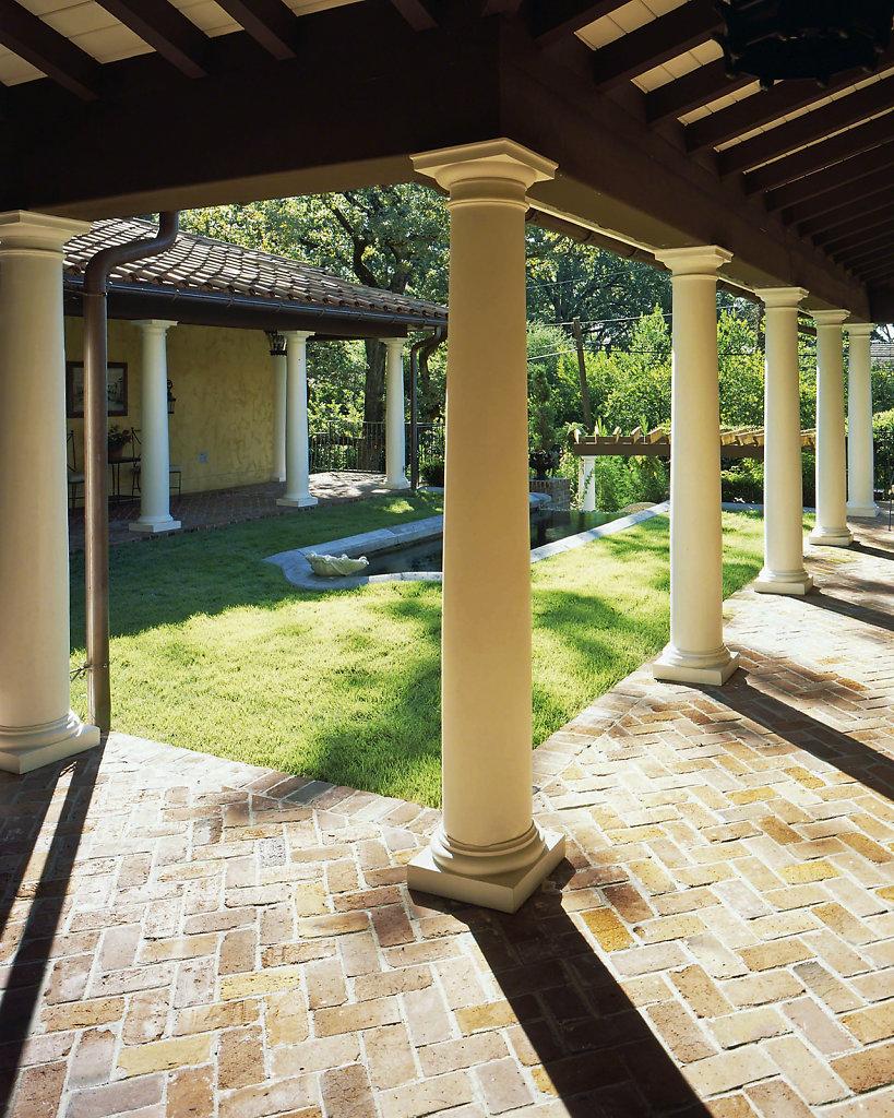 Tuscan-Chadsworth-PolyStone-Columns-Kaki-Hockersmith-2pwm.jpg