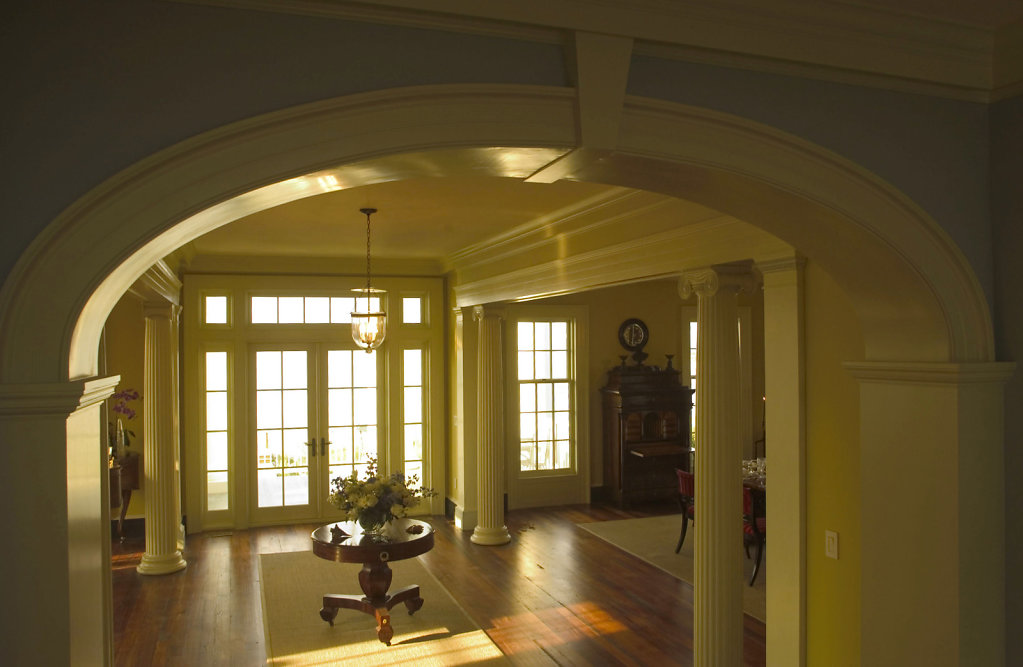 Archway Molding in Foyer of Chadsworth Cottage