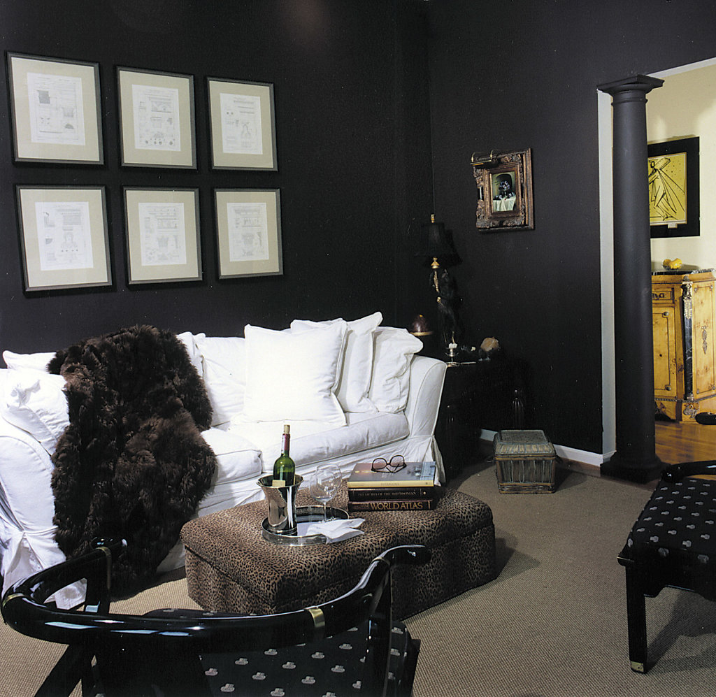 Wooden Black Doric Column in Sitting Room