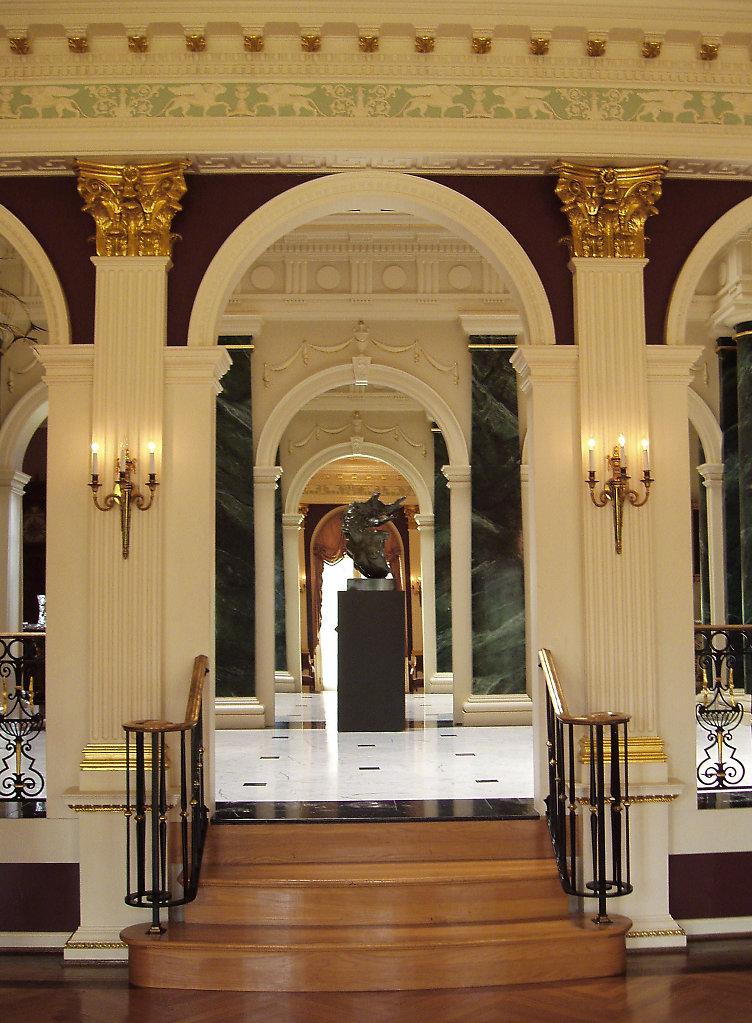 Frederick-Hart-Chadsworth-Corinthian-Wood-Pilasters-Interior-pwm.jpg